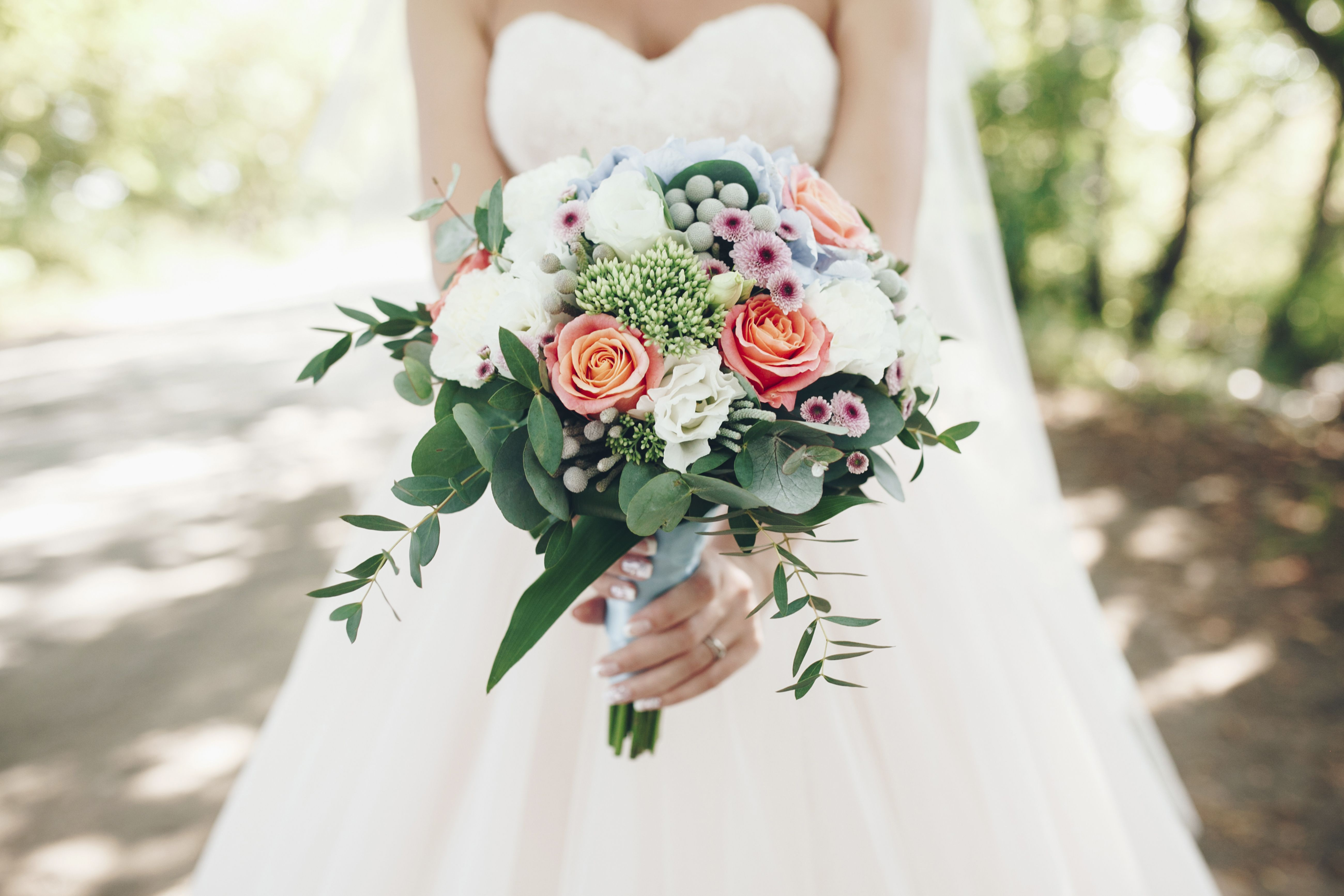 Cheap Wedding Flower Stores - BJ\'S, Costco, Sam\'s Club Wedding