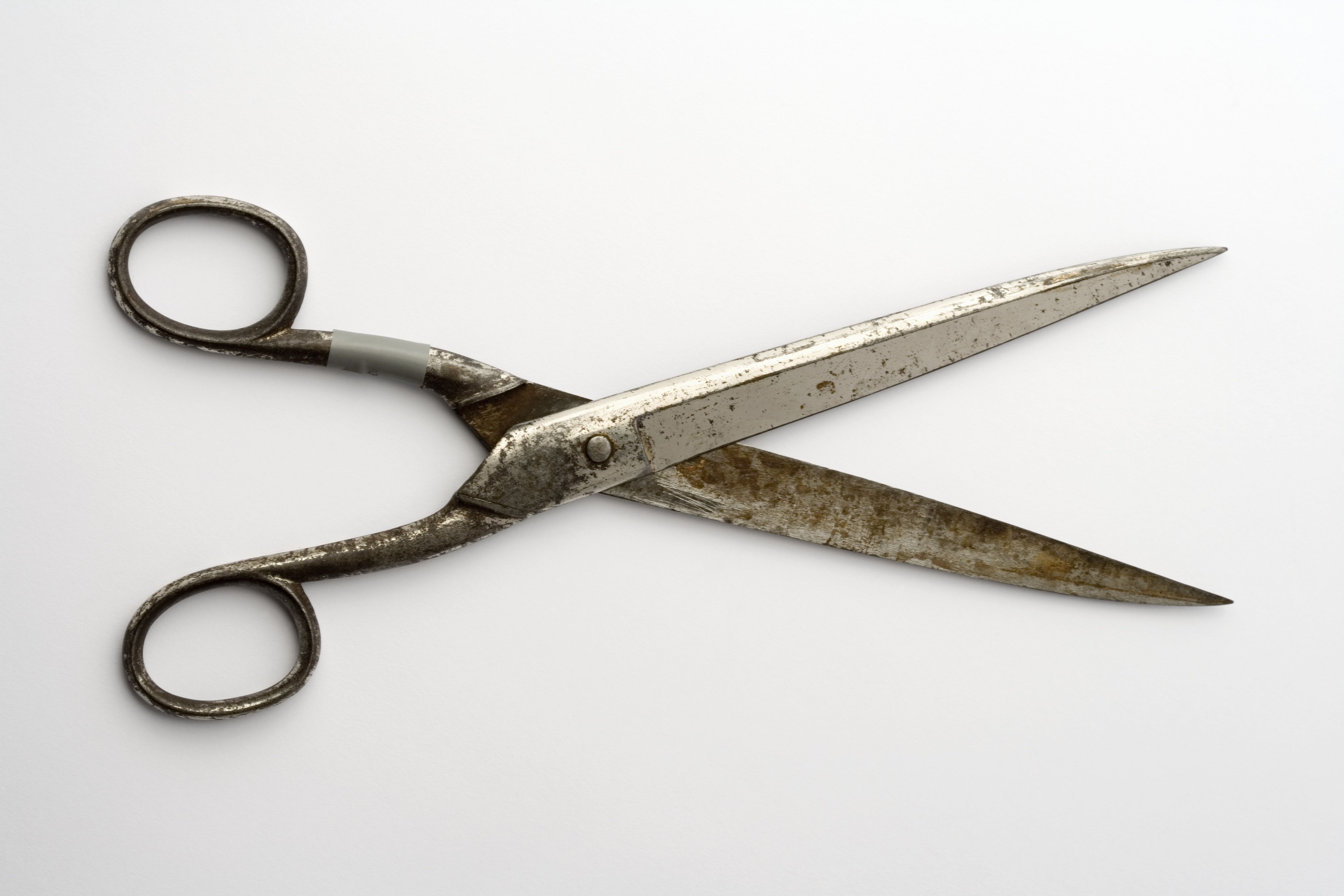 How To Get Your Dull Scissors Back To Work