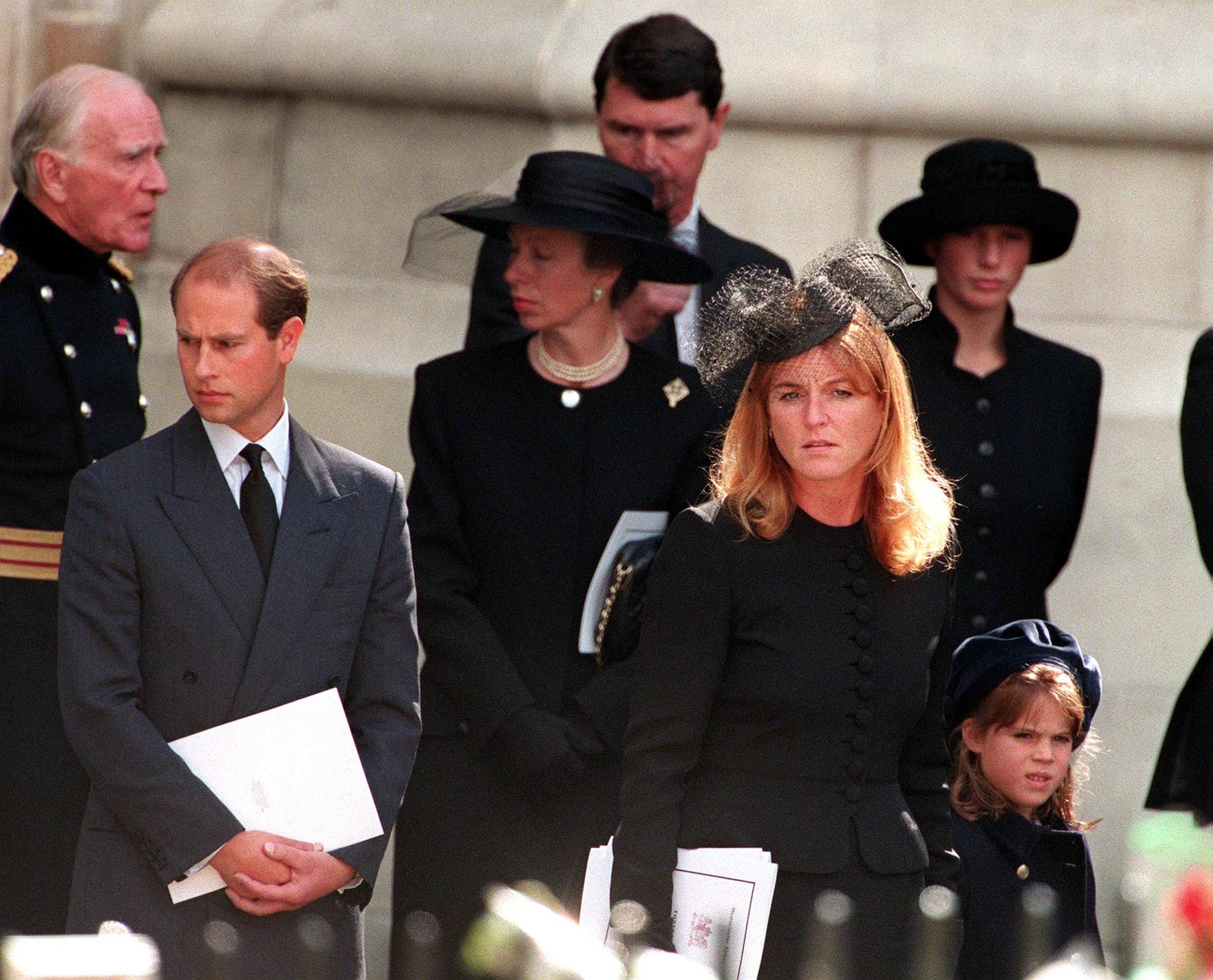 Princess Diana Funeral Photos 30 Unforgettable Moments At The Funeral Of Princess Diana