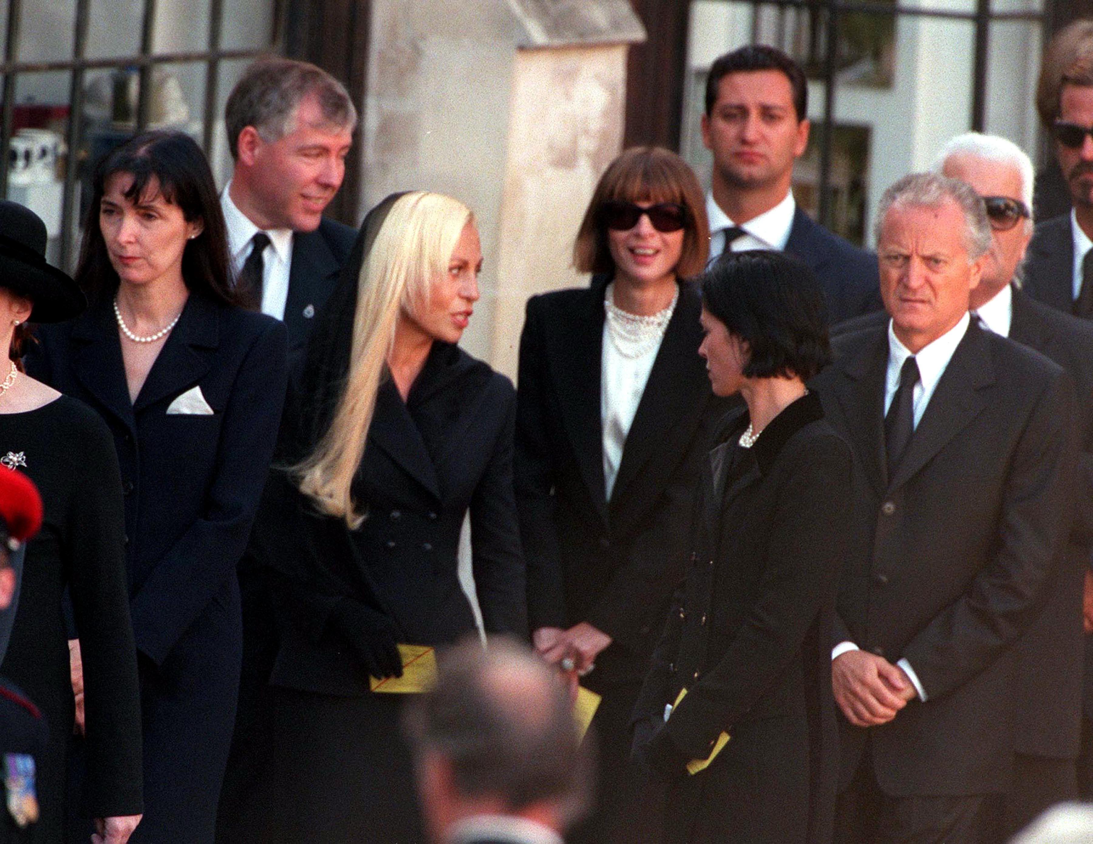 princess diana funeral photos 30 unforgettable moments at the funeral of princess diana princess diana funeral photos 30