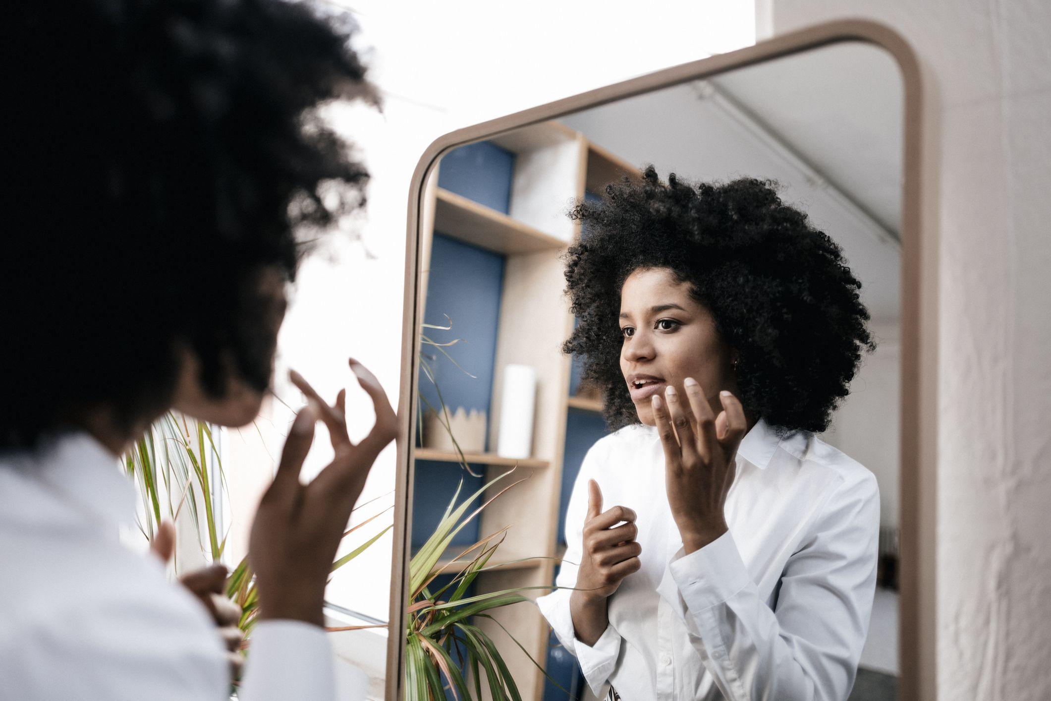 15 Best Foundations For Dark Skin Tones 2021