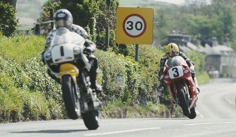 Land vehicle, Motorcycle, Road racing, Motorcycle racer, Motorcycling, Vehicle, Racing, Motorsport, Isle of man tt, Motorcycle racing,