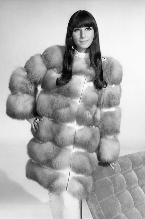 Fur clothing, Fur, White, Clothing, Outerwear, Photography, Muscle, Model, Black-and-white, Silver,
