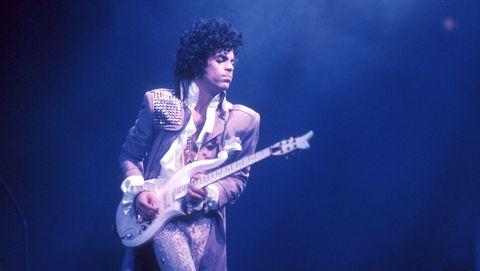 prince-performance-awards-concert