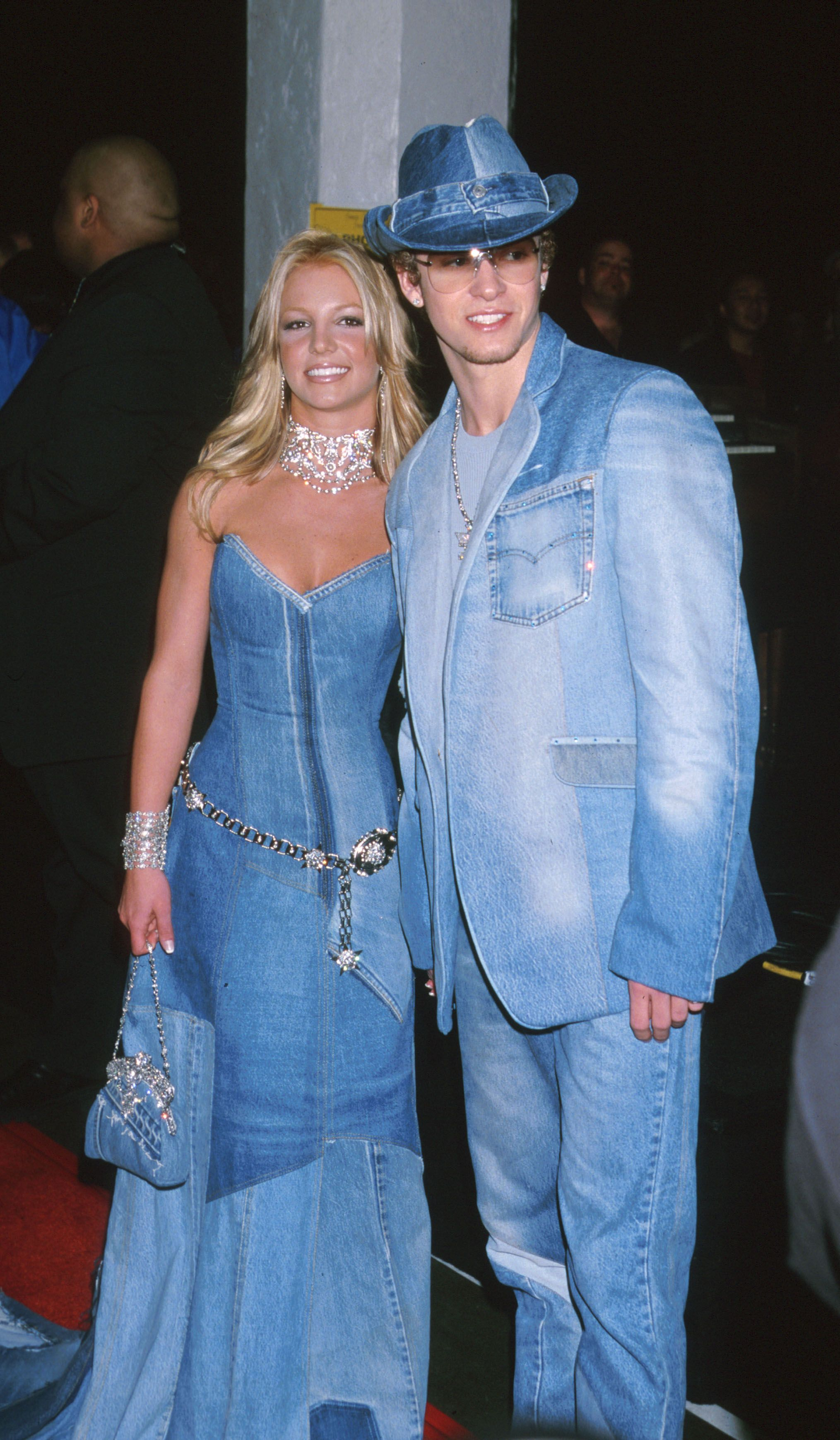 "50 Celebrity Outfits From the Early 2000s That\'ll Make You Say, ""Wow ..."
