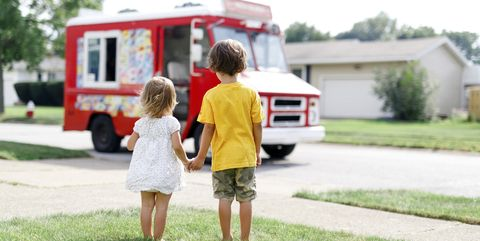 Transport, Vehicle, Mode of transport, Car, Child, Grass, Bus, RV, Home, Recreation,