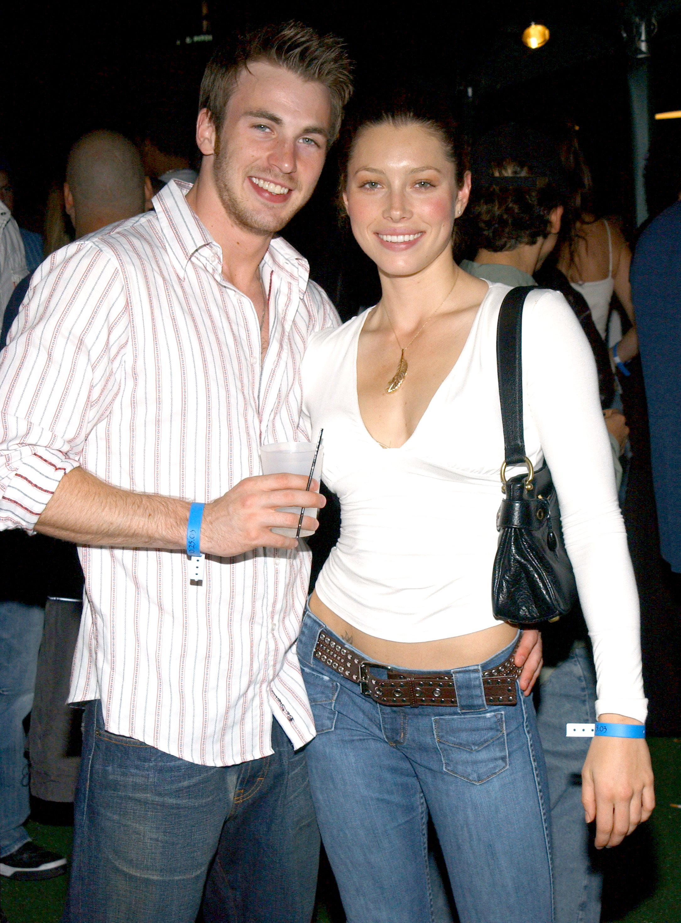 Is jessica biel still dating chris evans