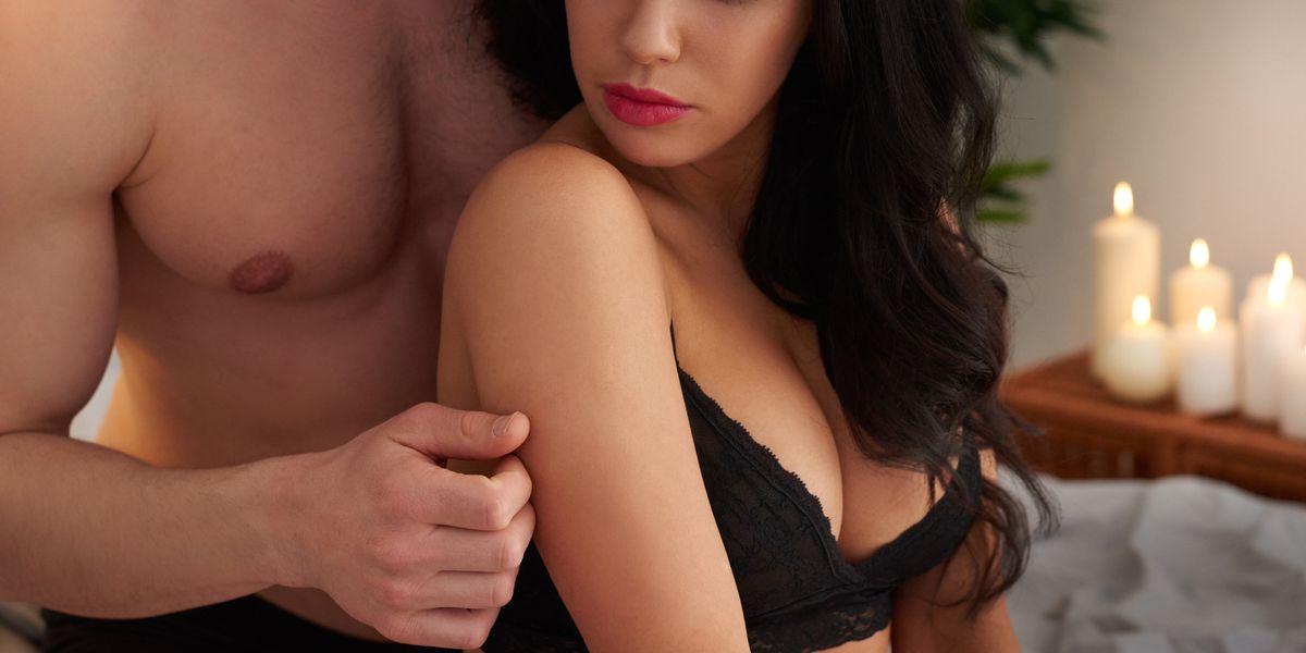 topless asian girls kiss