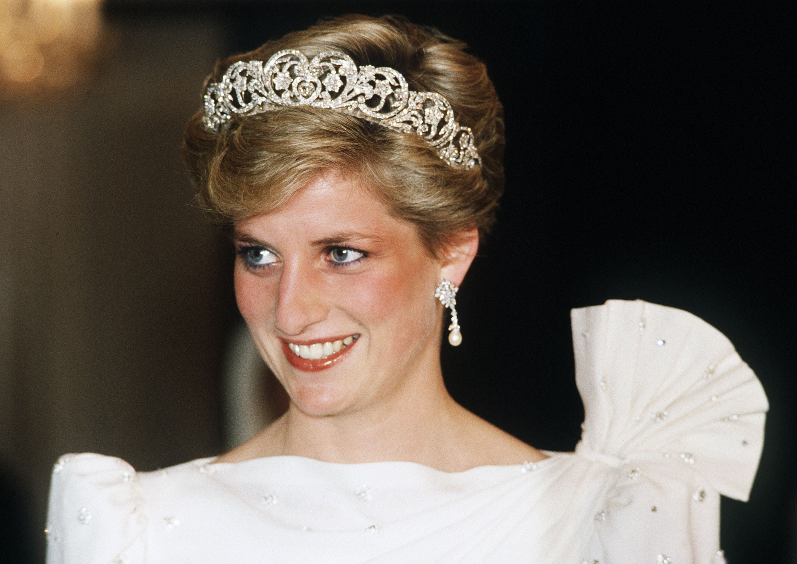 The Crown Reveals Who Ll Be Playing Princess Diana