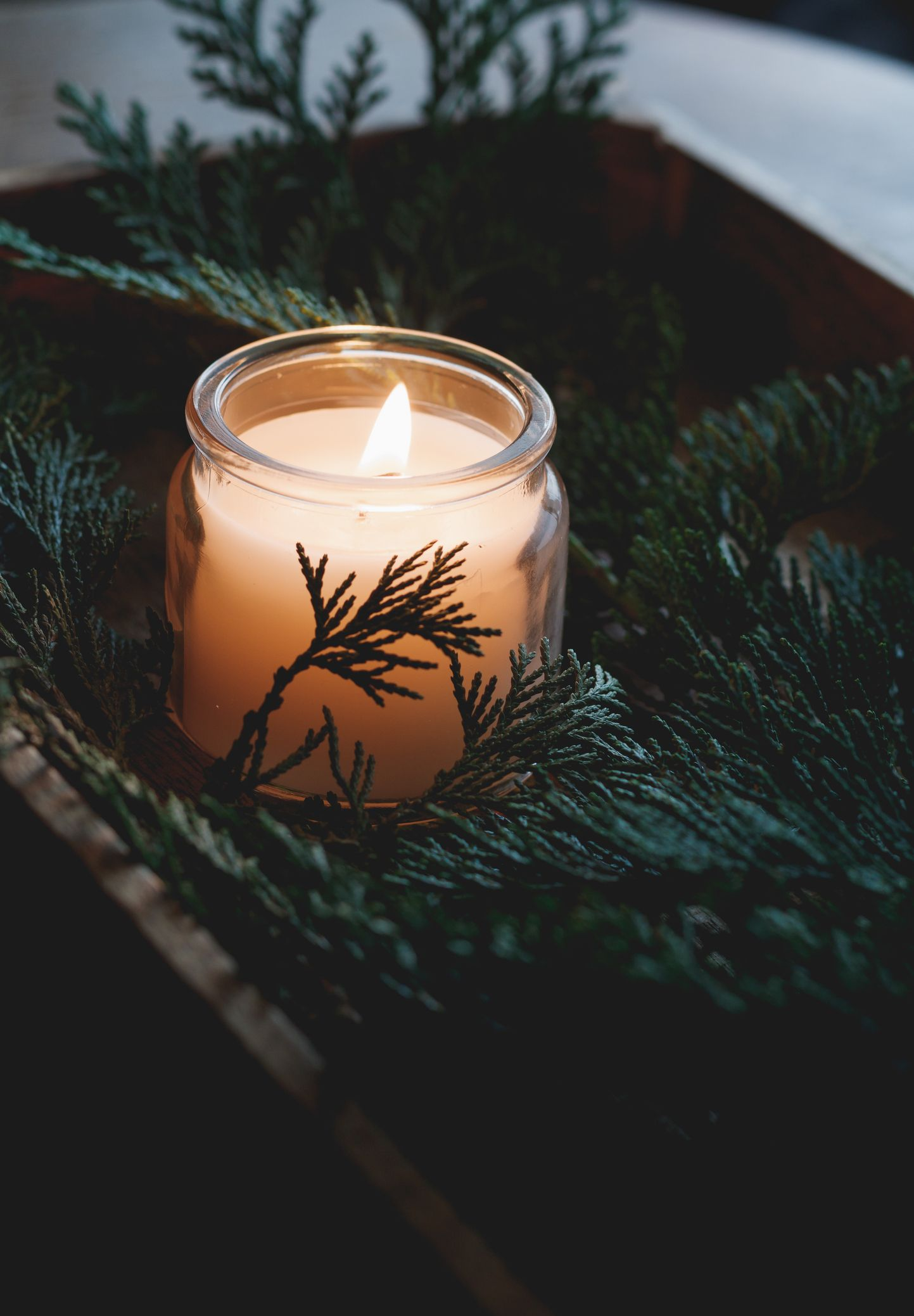 Di candele profumate, serate autunnali e solitudini cocoon