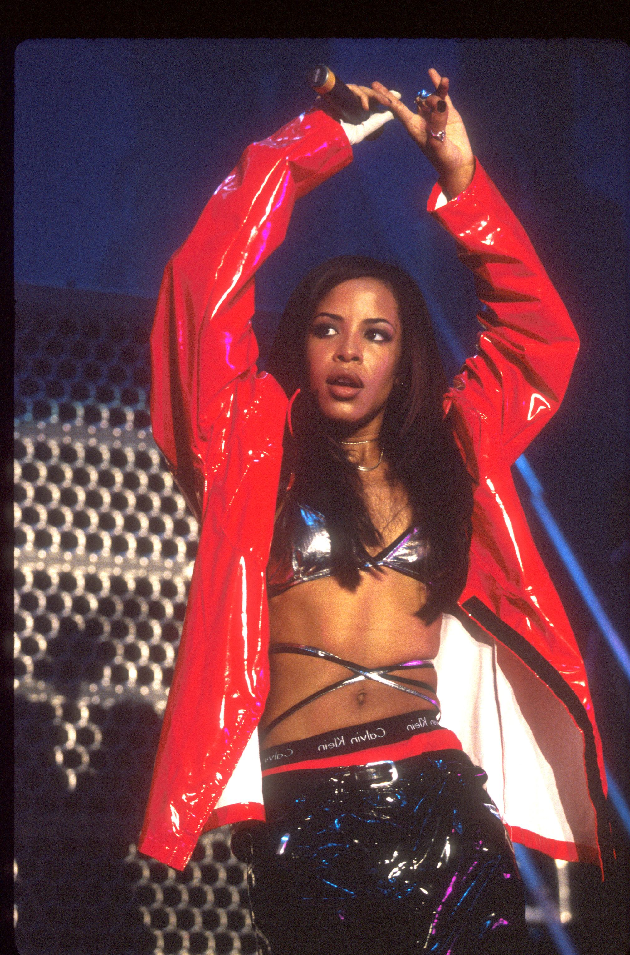 Revisiting Aaliyah '90s Style