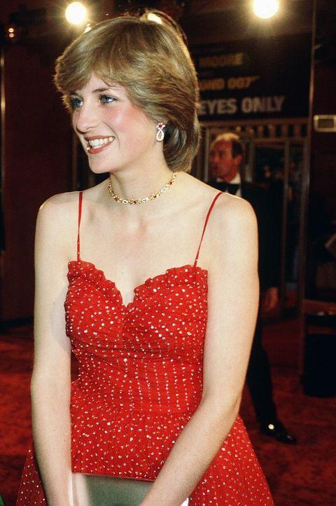 Princess Diana Before She Was Royal Images Of Young Princess Diana