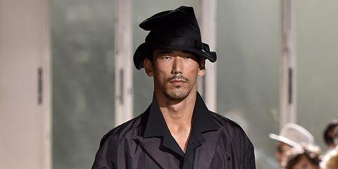 Clothing, Sleeve, Hat, Outerwear, Style, Street fashion, Jacket, Headgear, Fashion, Fashion model,