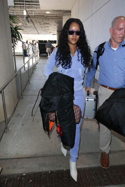 Rihanna S Butt In This Tracksuit Is Straight Boi Oi Oing