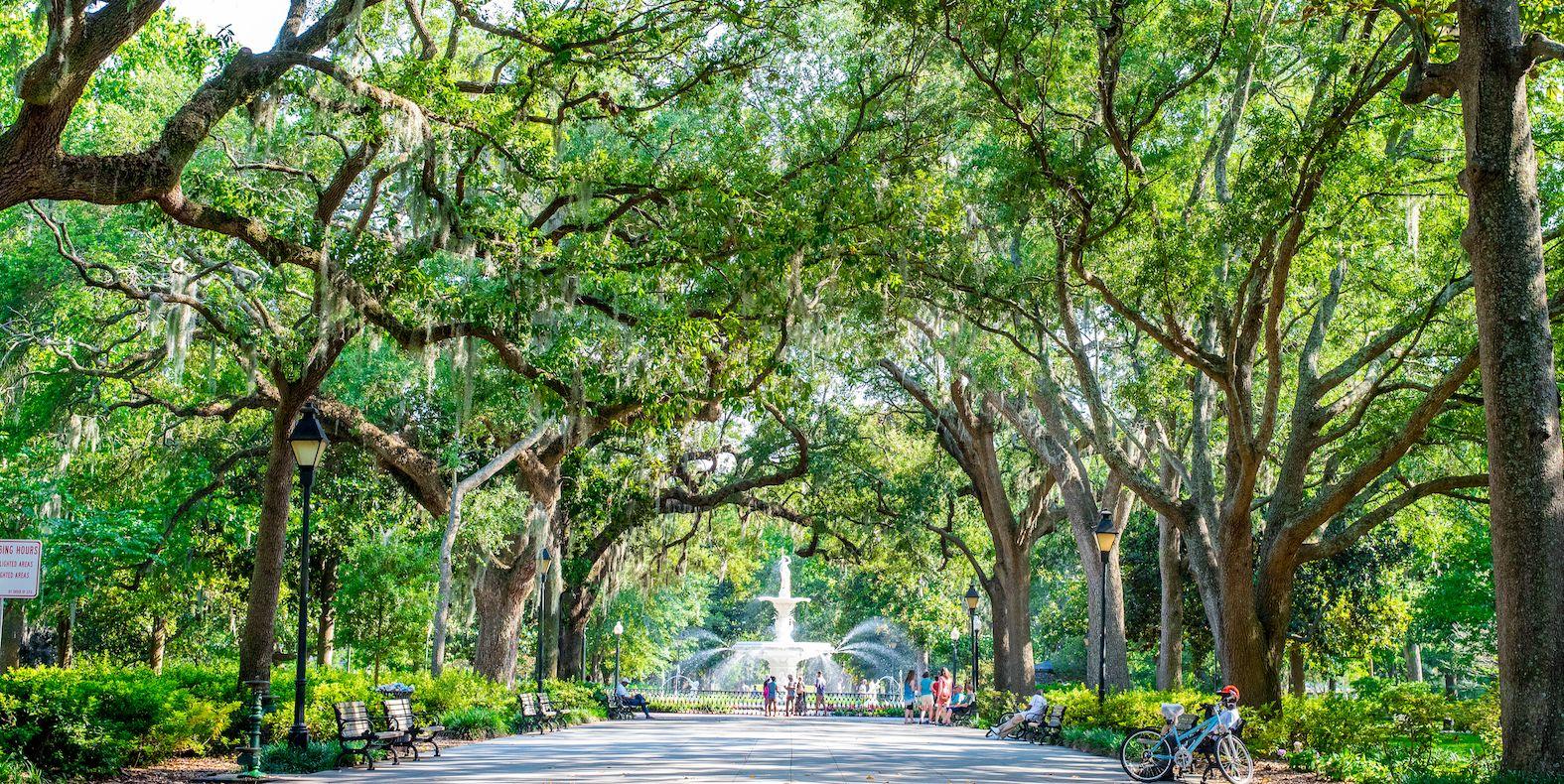 A Travel Guide to Savannah, Georgia
