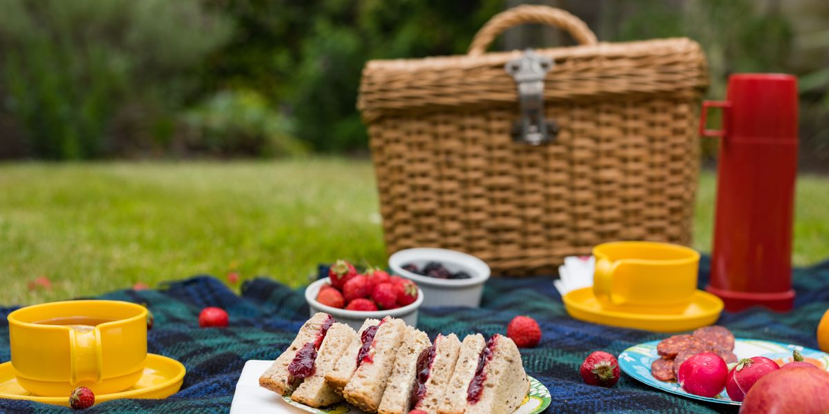 Our Guide to Packing the Perfect Picnic