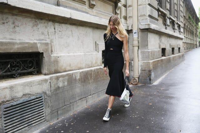 vestido negro asimetrico zara lbd bottega veneta tendencia