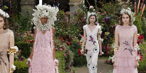 Dress, Gown, Wedding dress, Photograph, Clothing, Fashion, Shoulder, Bridal clothing, Bride, Haute couture,