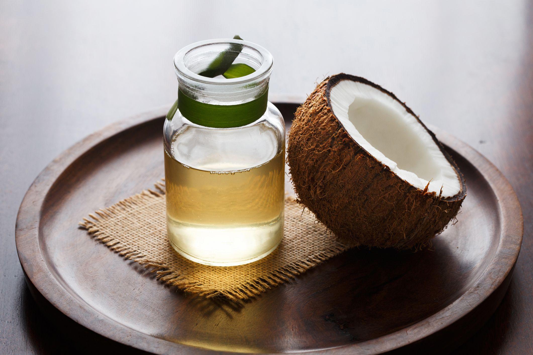 propiedades del aceite de coco en la cara