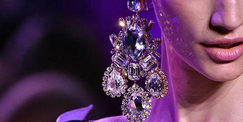 Fashion, Purple, Lavender, Beauty, Shoulder, Haute couture, Violet, Lilac, Model, Eye,