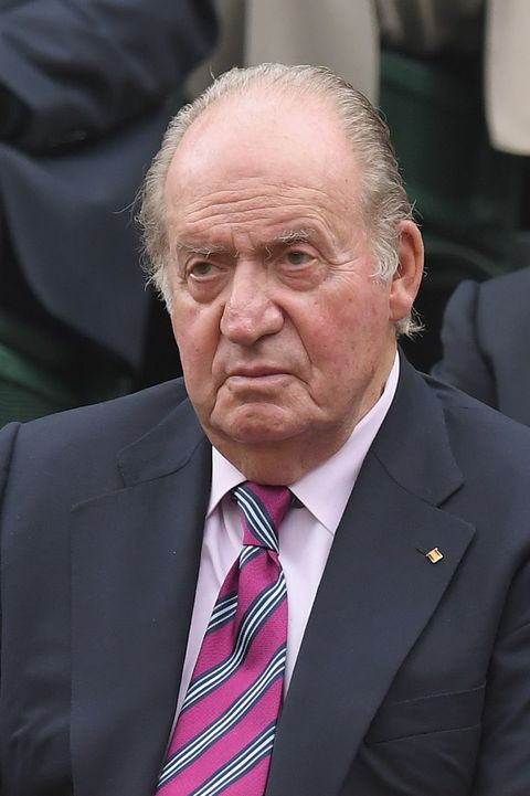 london, england   july 15  juan carlos i, former king of spain attends day twelve of the wimbledon tennis championships at the all england lawn tennis and croquet club on on july 15, 2017 in london, united kingdom  photo by karwai tangwireimage