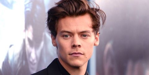Hair, Face, Forehead, Eyebrow, Hairstyle, Chin, Nose, White-collar worker, Cheek, Jaw,