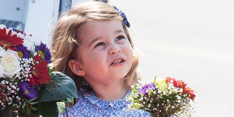 Bouquet, Flower, Child, Floristry, Floral design, Flower Arranging, Cut flowers, Plant, Smile, Blond,