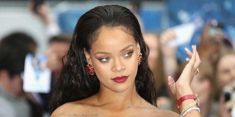 02f997235317 Rihanna Wears Dolce   Gabbana Sunglasses - Rihanna Debutes Fenty ...