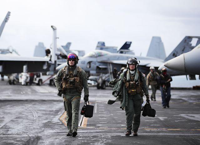 us navy f18 pilots