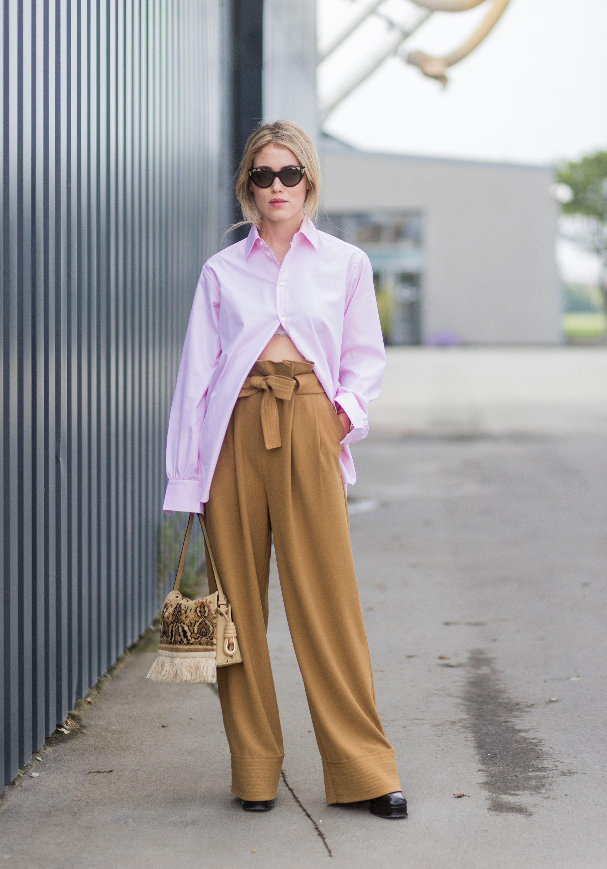 Colori Moda 2019: come abbinare i pantaloni beige