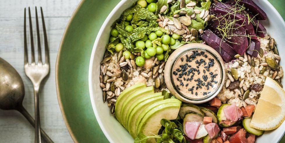 Esistono davvero cibi che fanno male? 10 miti da sfatare su dieta e alimentazione sana che dovreste conoscere