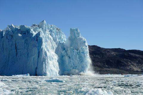 Polar ice cap, Iceberg, Ice, Water, Glacial lake, Mountainous landforms, Glacial landform, Ice cap, Water resources, Glacier,