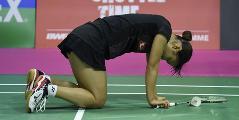 Green, Sports, Arm, Leg, Joint, Badminton, Knee, Thigh, Sports training, Human body,