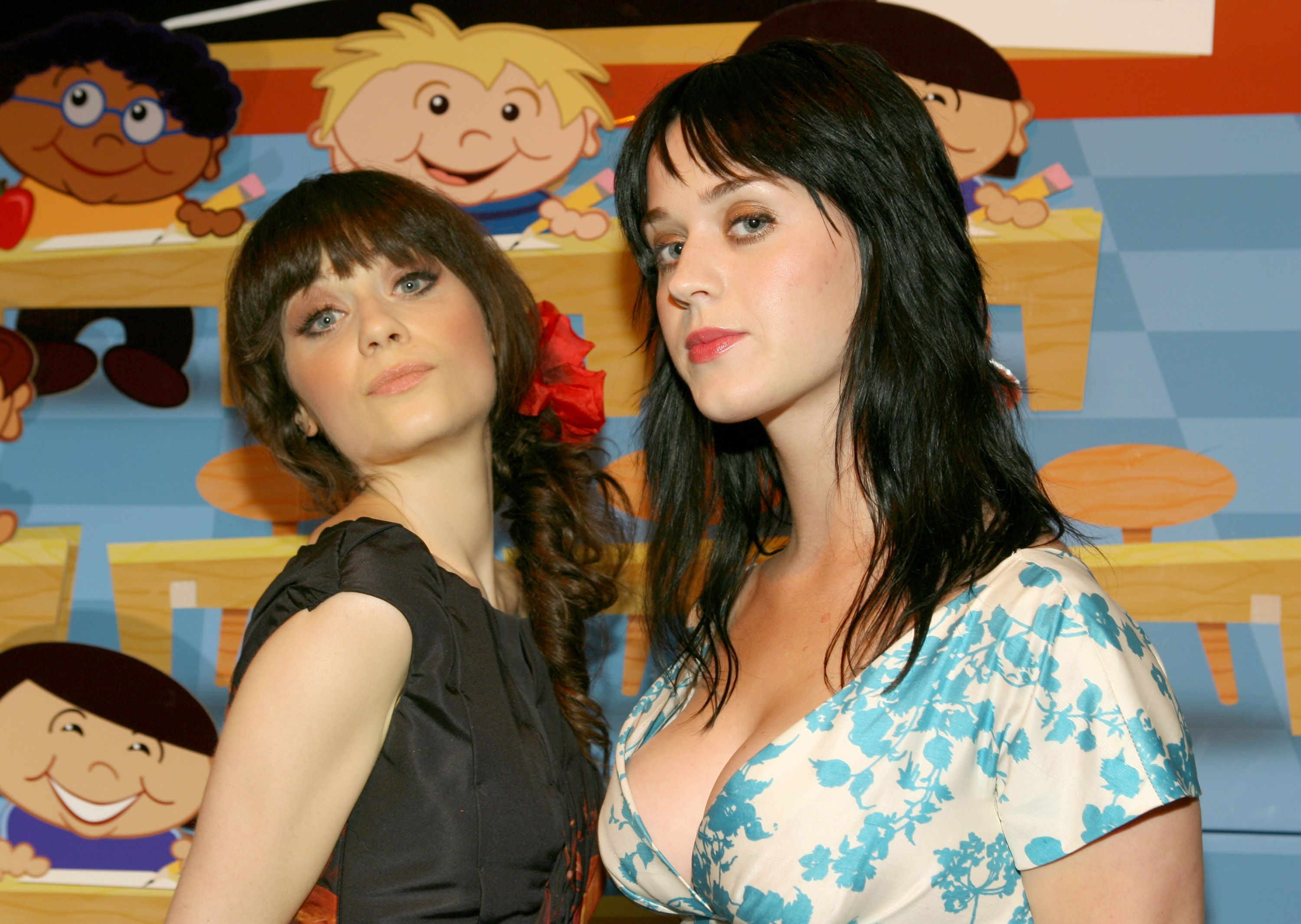 Showing porn images for zooey deschanel katy perry lesbian