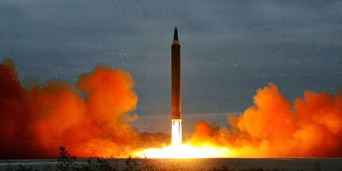 Rocket, Missile, Heat, Pollution, Rocket-powered aircraft, Flame, Spacecraft, Geological phenomenon, Vehicle, space shuttle,
