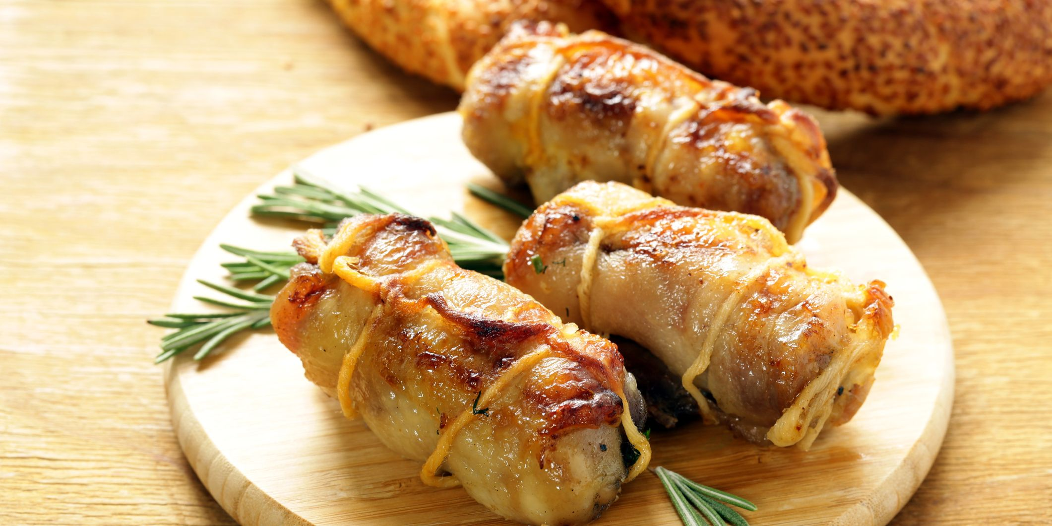 Roast rolls of chicken fillet with herbs