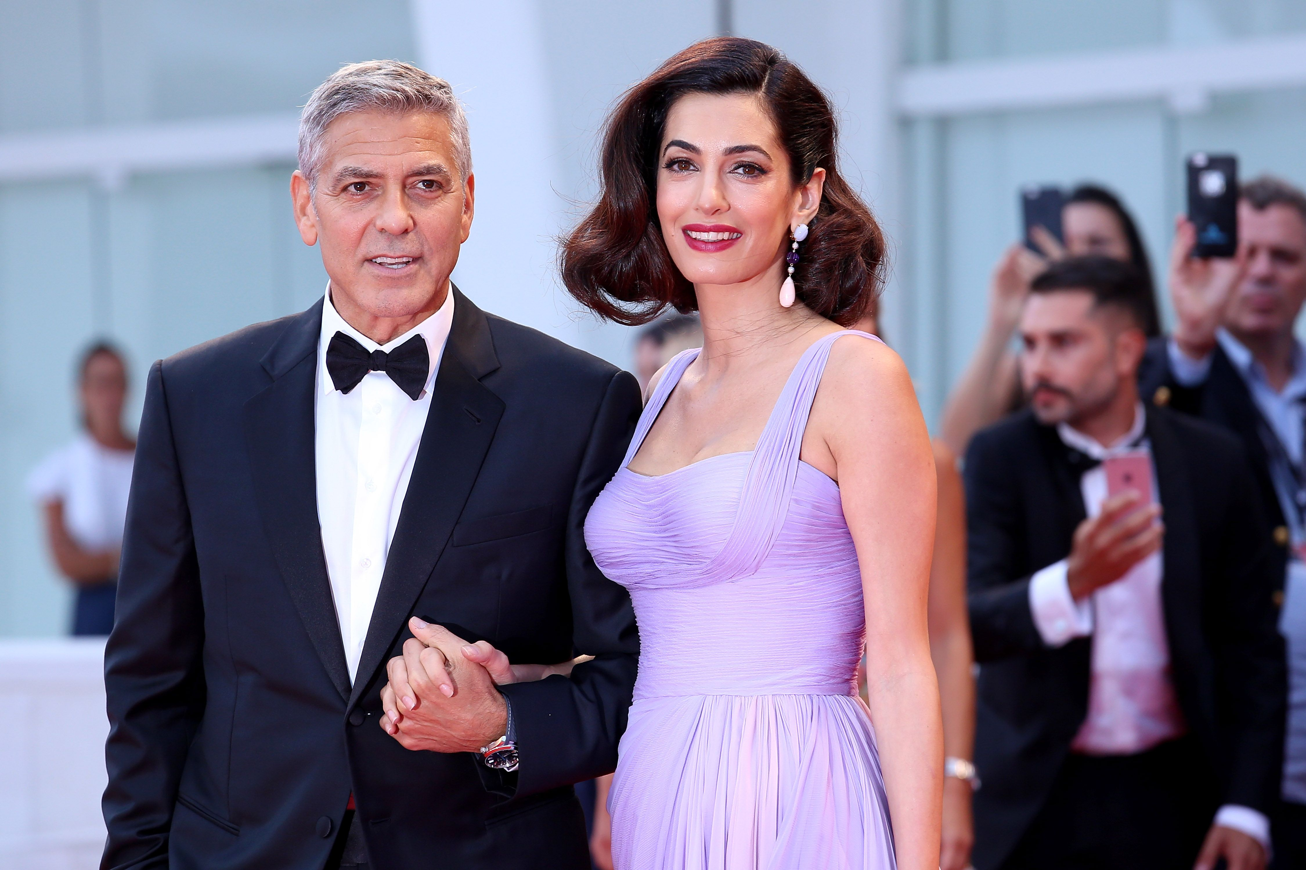 bb707a9d6cc9 Amal Clooney Hair Secrets and Hairstyles - Amal Clooney Venice Film ...