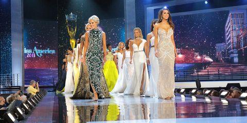 Fashion, Fashion show, Performance, Stage, Event, Fashion design, Public event, Performing arts, Fashion model, Musical,