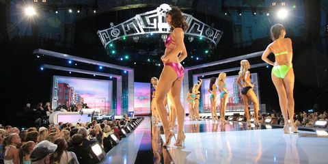 Performance, Fashion, Fashion show, Event, Stage, Public event, Performing arts, Competition, Muscle, Performance art,