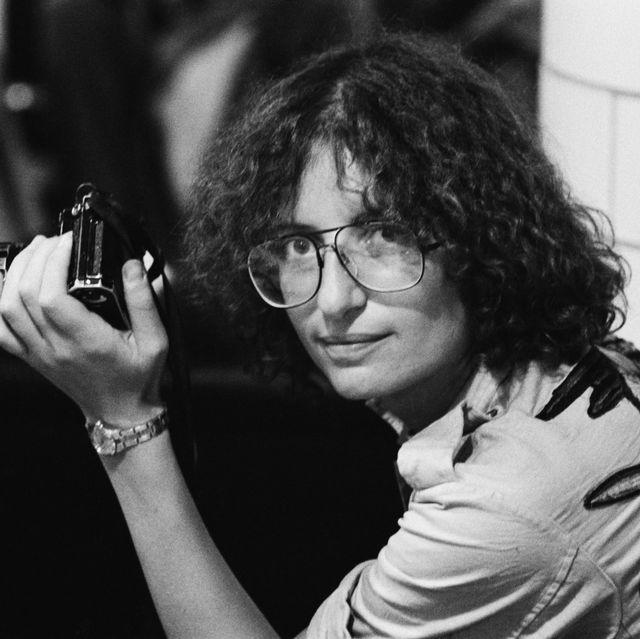 White, Black, Photograph, Black-and-white, Glasses, Monochrome, Monochrome photography, Photography, Eyewear, Hand,