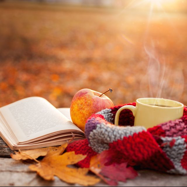 Serveware, Cup, Coffee cup, Teacup, Fruit, Tableware, Produce, Natural foods, Dishware, Deciduous,