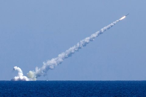 Missile, Vehicle, Sky, space shuttle, Rocket, Aerospace engineering, Rocket-powered aircraft, Air show, Pollution, Aircraft,