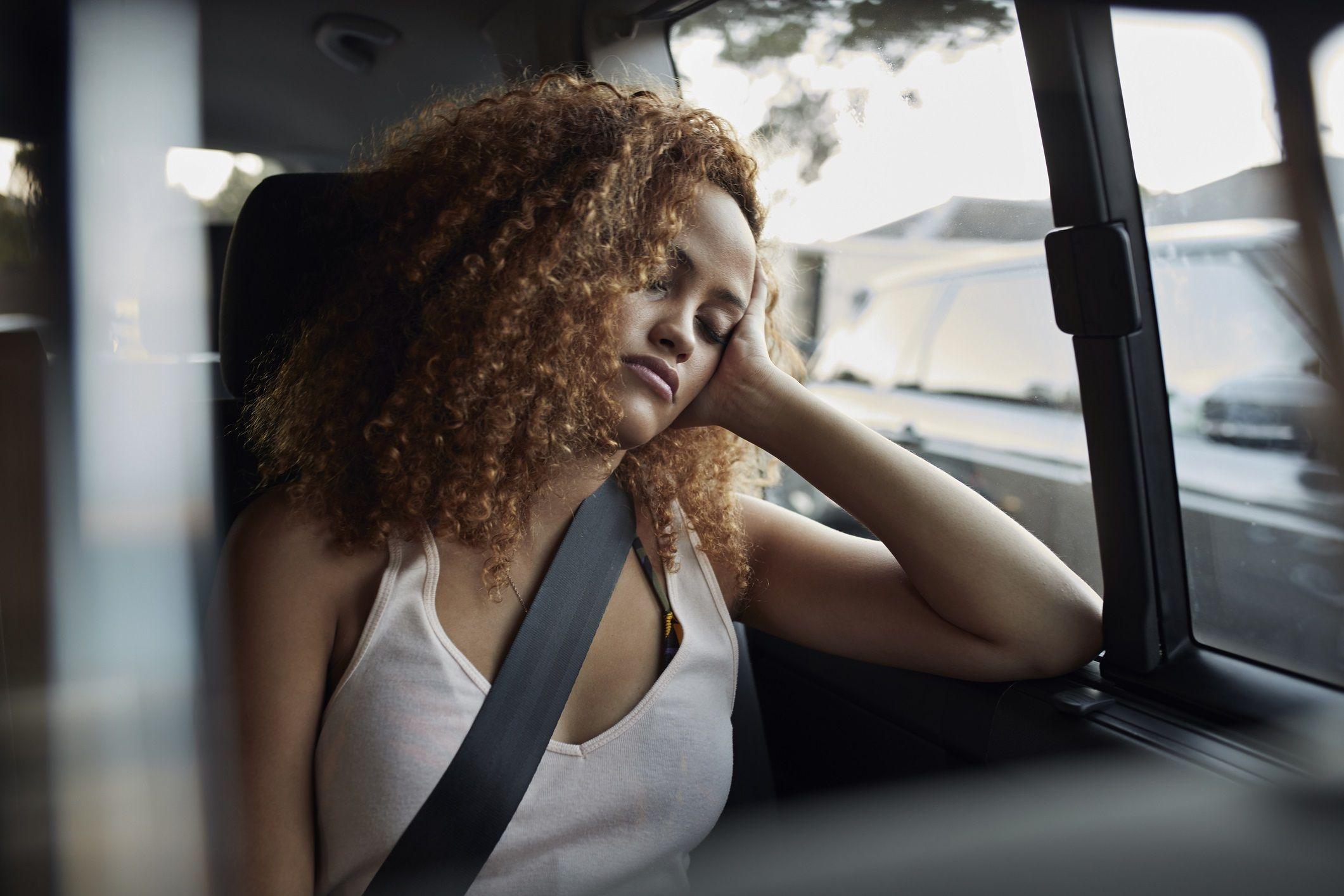 Dormire male fa ingrassare