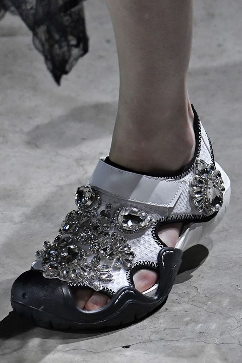 Footwear, Leg, Shoe, Fashion, Foot, Sandal, Ankle, High heels, Human body, Human leg,