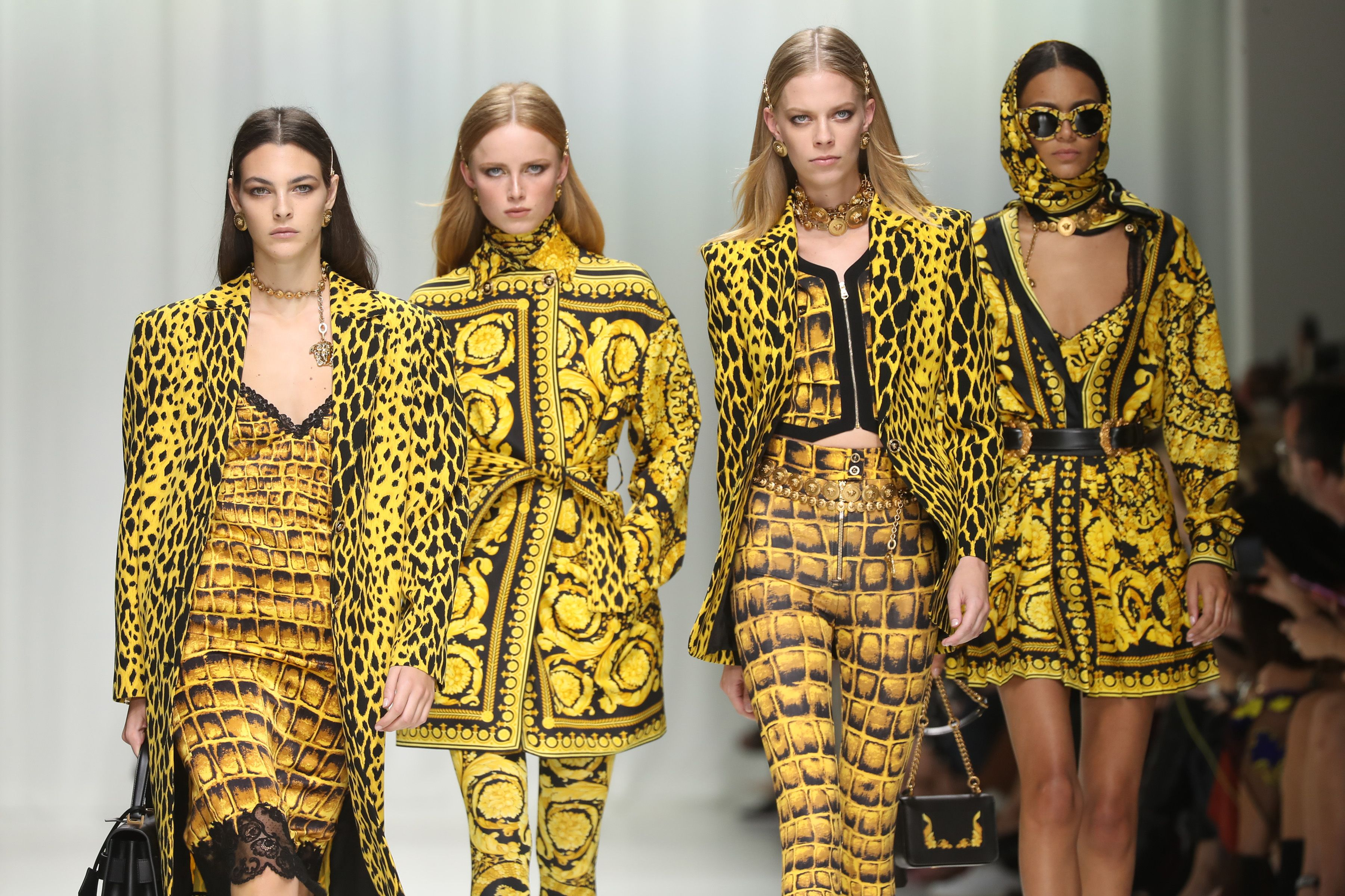 See Every Look From Versace's Spring 2018 Show Honoring Gianni Versace