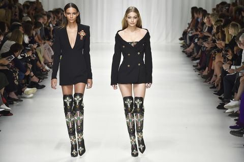 Fashion model, Fashion show, Runway, Fashion, Shoulder, Clothing, Joint, Thigh, Knee, Fashion design,