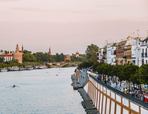 Water, Waterway, River, Town, Sky, City, Bridge, Tourism, Architecture, Urban area,