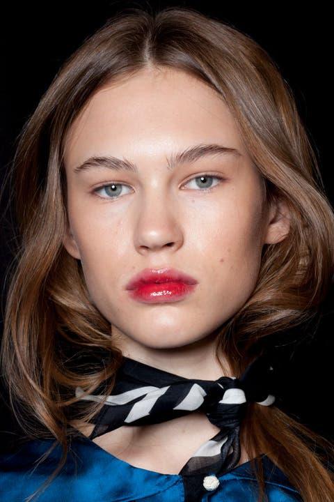 Hair, Face, Lip, Eyebrow, Hairstyle, Cheek, Chin, Beauty, Blond, Skin,