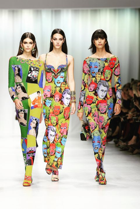 Fashion model, Runway, Fashion, Fashion show, Clothing, Shoulder, Fashion design, Leggings, Joint, Event,