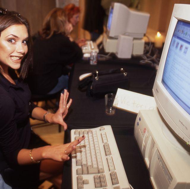 victoria beckham ordenador años 90